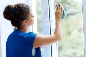 Kalkflecken am Fenster entfernen