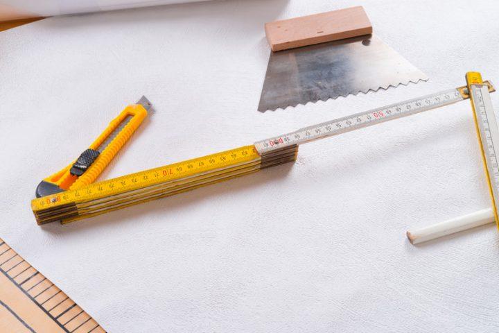 Bekannt Fenster tapezieren » Fachgerechte Anleitung in 4 Schritten BJ05