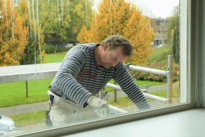 Fensterbank streichen