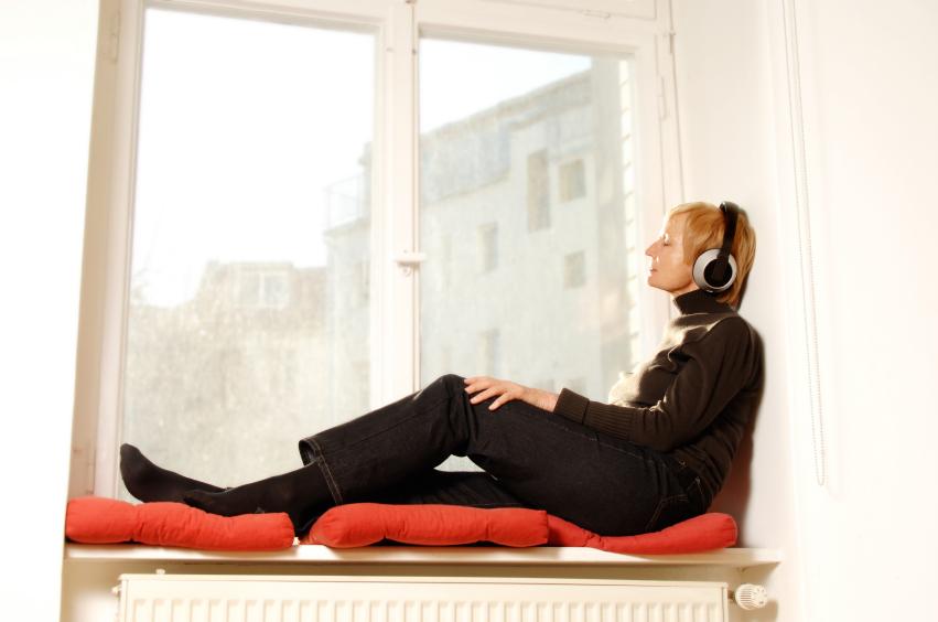 fensterbank zum sitzen das ist beim bau zu beachten. Black Bedroom Furniture Sets. Home Design Ideas