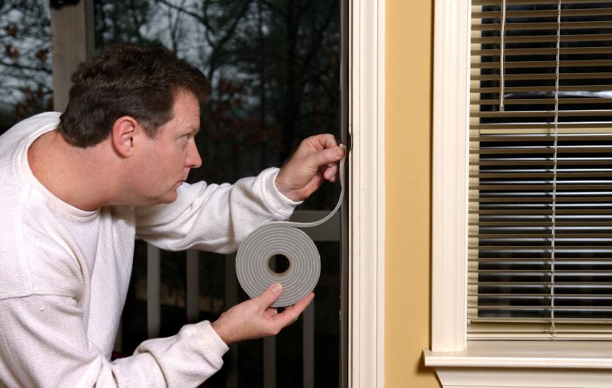 Fensterdichtband anbringen » So wird's gemacht
