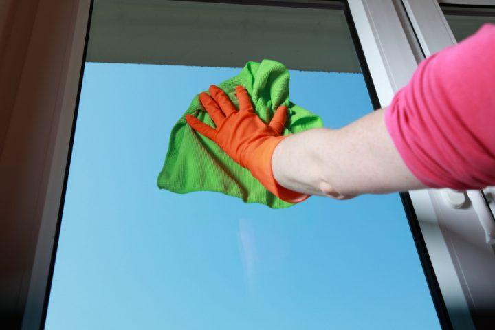 Fensterglas polieren