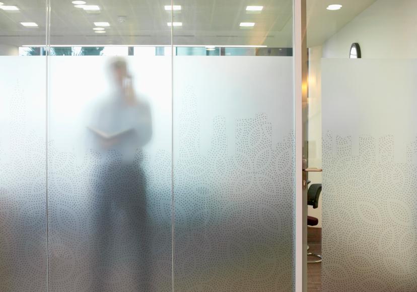Fensterglas undurchsichtig machen so geht 39 s - Badezimmer fenster glas ...