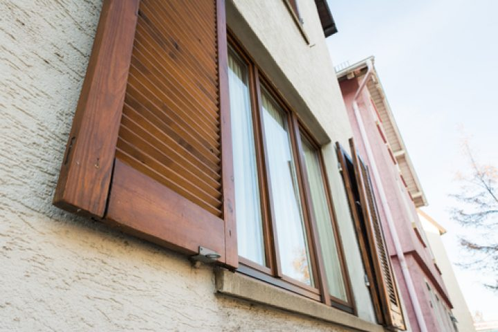 Fensterläden nachträglich einbauen