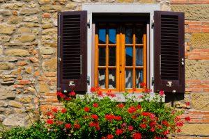 Fensterläden nachträglich einbauen Kosten