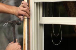 Fensterleisten entfernen