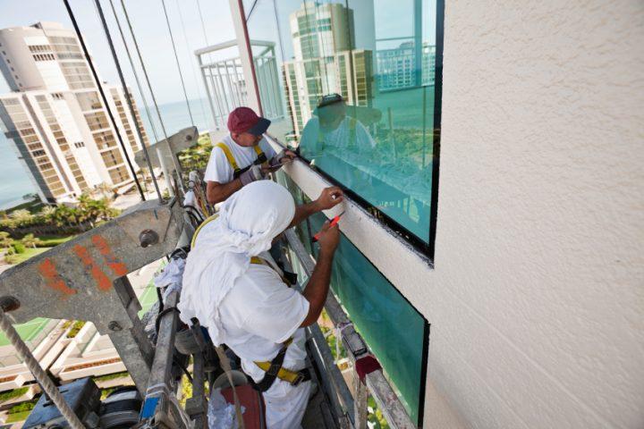Fensterleisten kleben