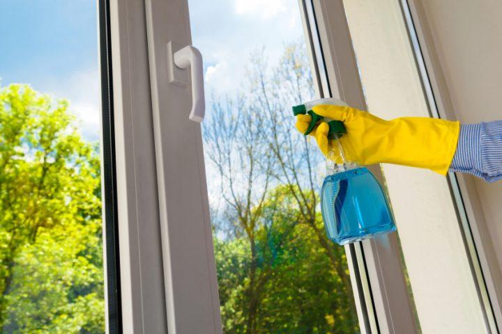Fensterrahmen putzen Kunststoff