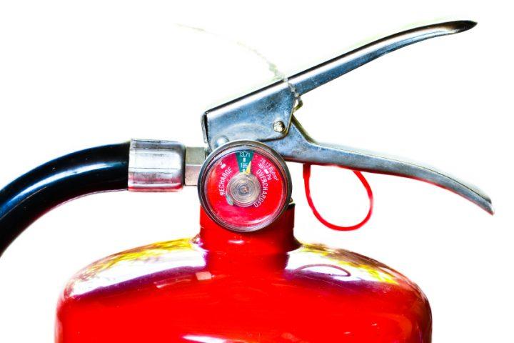 Feuerlöscher prüfen