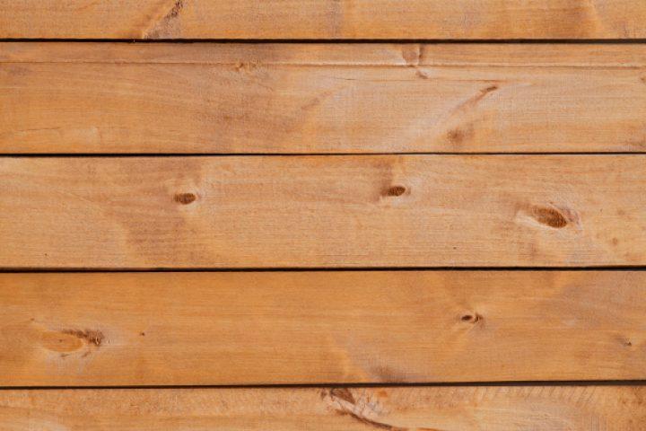 Fichtenholz streichen