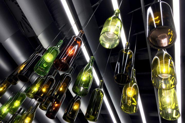 Bodenlose Flaschen