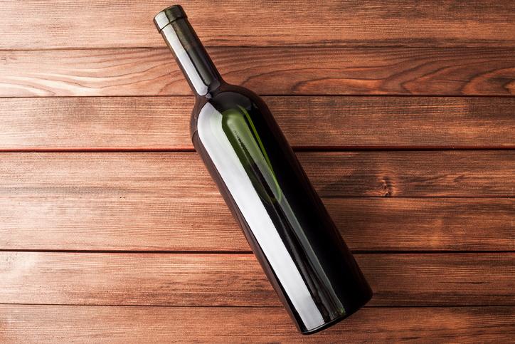 flaschenetiketten entfernen so l sen sie es restlos ab. Black Bedroom Furniture Sets. Home Design Ideas