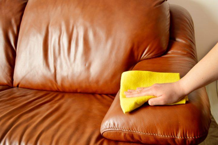 Kunstleder Sofa gekleckert