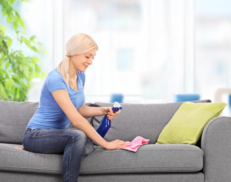 Flecken Aus Dem Sofa Entfernen Diese Mittel Wirken Effektiv