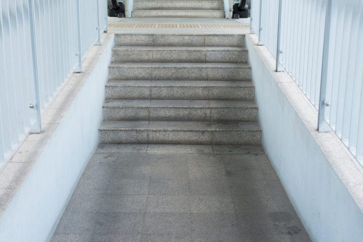 Fluchttreppe Breite