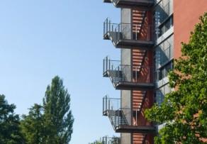 fluchttreppenturm vorschriften normen. Black Bedroom Furniture Sets. Home Design Ideas