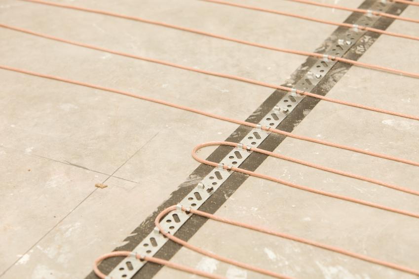 Elektrische Fußbodenheizung verlegen » So gehen Sie vor