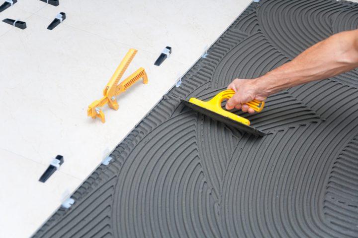 Fußboden Unebenheiten entfernen