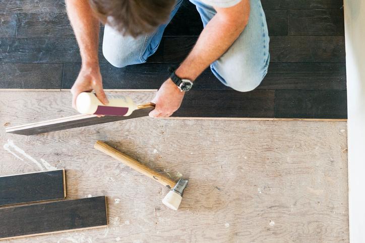 Fußboden Schlafzimmer Mitnehmen ~ Fußboden renovieren einfache und günstige lösungen