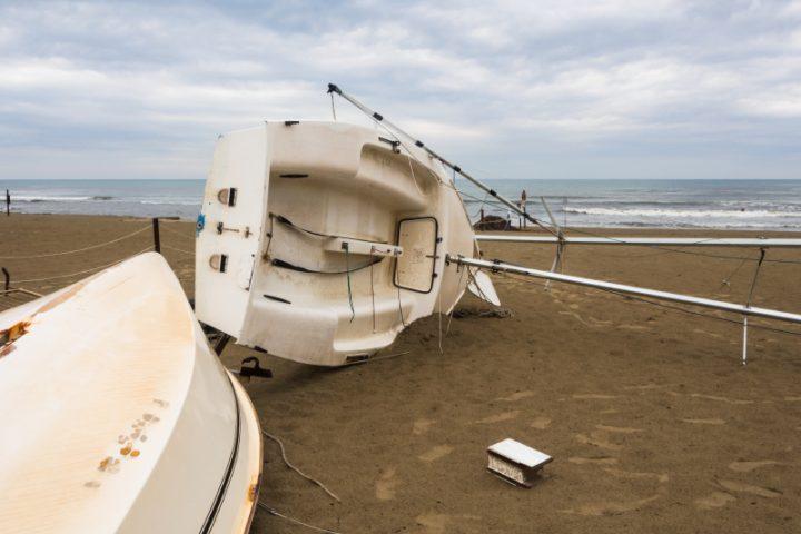 Sehr GFK-Boot restaurieren » Welche Schäden kann man beheben? RC54