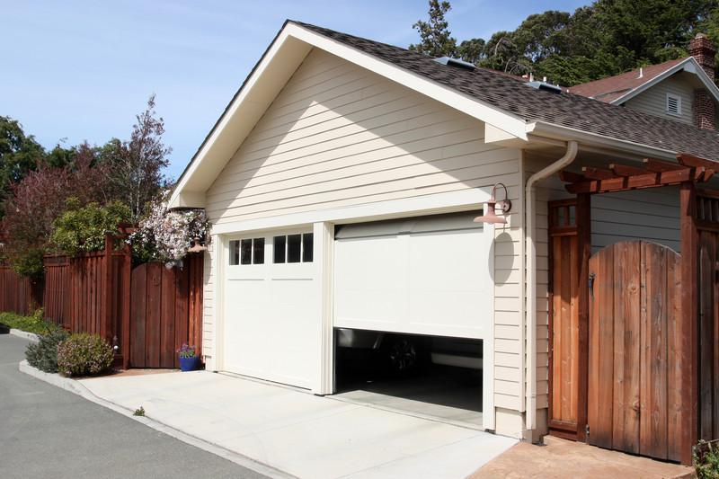 Garage streichen  Garage professionell streichen » Darauf müssen sie achten