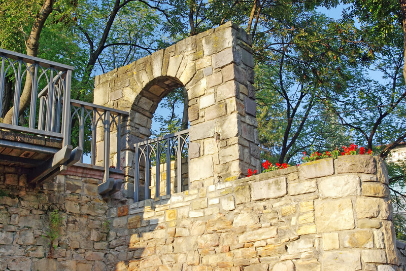 Gartenmauern Gestalten Ideen fenster in einer gartenmauer stile infos