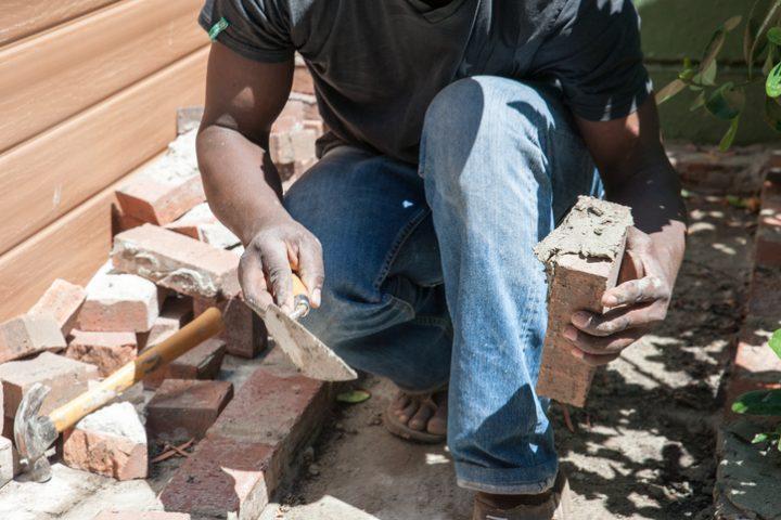 gartenmauer bauen in 6 schritten | obi ratgeber – motelindio, Gartenarbeit ideen