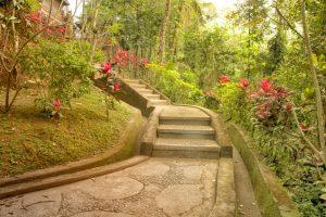 Gartentreppe Hang