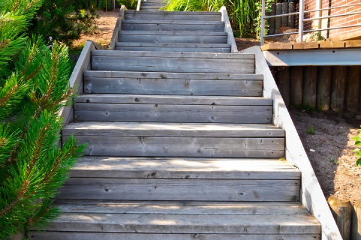 Gartentreppe Holz selber bauen
