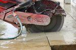 Gehwegplatten schneiden