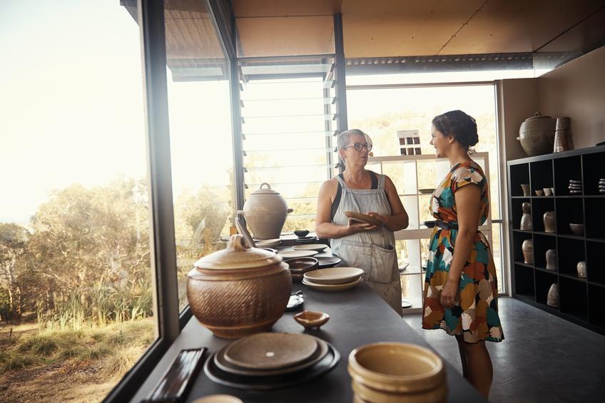 geschirr diese materialien kommen zum einsatz. Black Bedroom Furniture Sets. Home Design Ideas