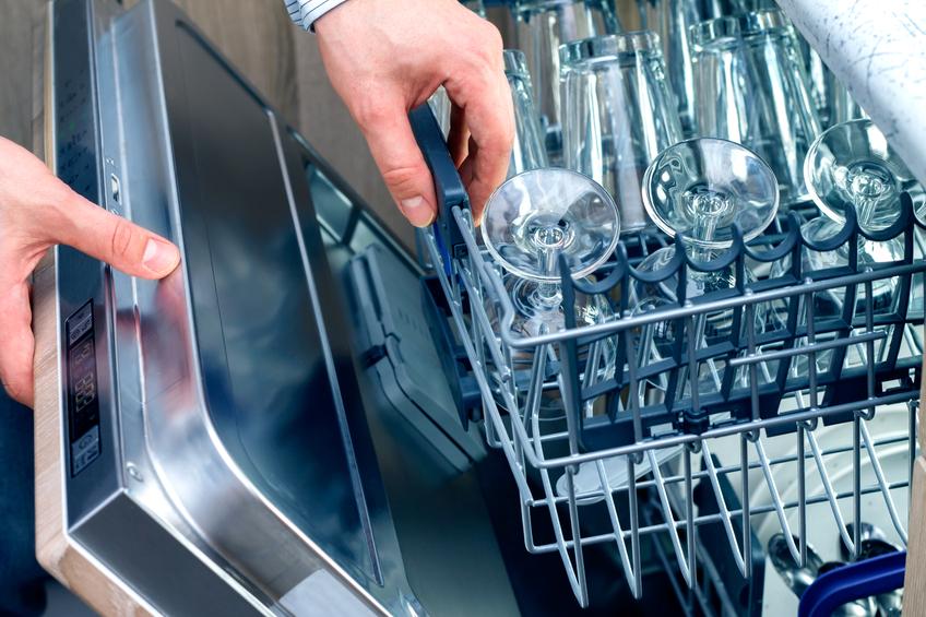 Gläser im Geschirrspüler reinigen » So werden sie richtig sauber