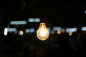 Glühbirne blinkt