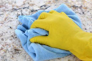 Granit Arbeitsplatte reinigen