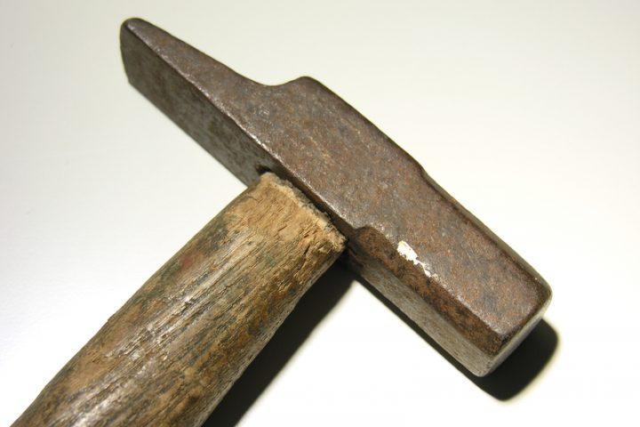 Hammer neuer Stiel