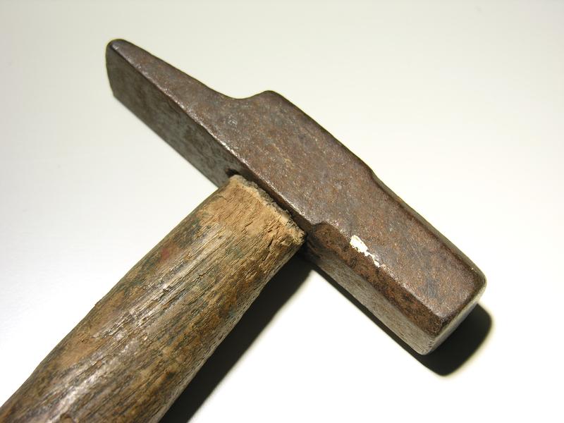 hammer einstielen so machen sie alles richtig. Black Bedroom Furniture Sets. Home Design Ideas