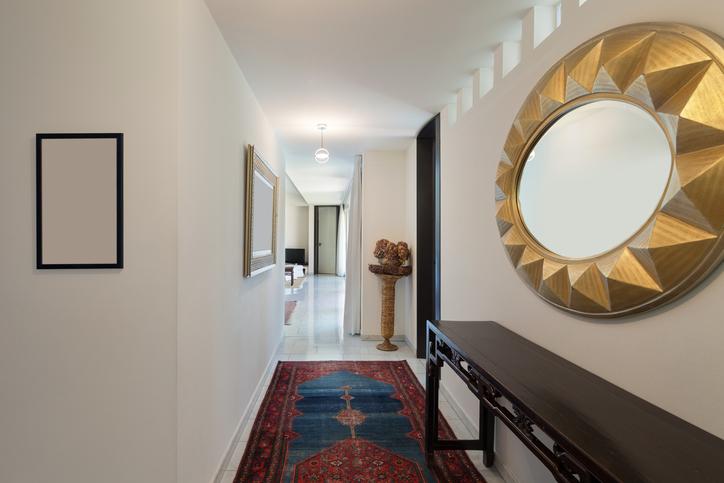 im hausflur teppich verlegen ist das eine gute idee. Black Bedroom Furniture Sets. Home Design Ideas