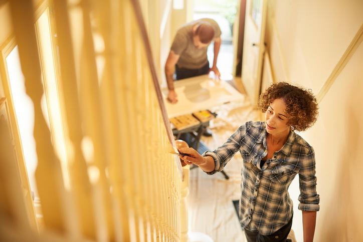 hausflur renovieren diese ma nahmen stehen an. Black Bedroom Furniture Sets. Home Design Ideas