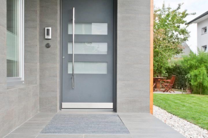 Super Haustür aus Alu oder Kunststoff? » Eine Entscheidungshilfe EC05