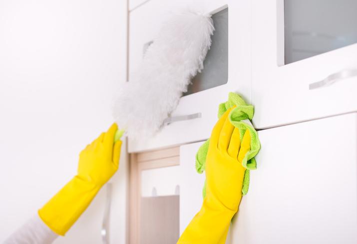 Kratzer von hochglanz k che entfernen eine anleitung - Kratzer aus hochglanz mobel entfernen ...