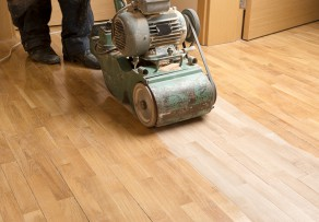 Holzboden abschleifen