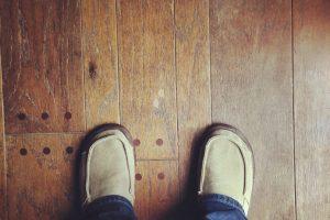 Holzboden reparieren