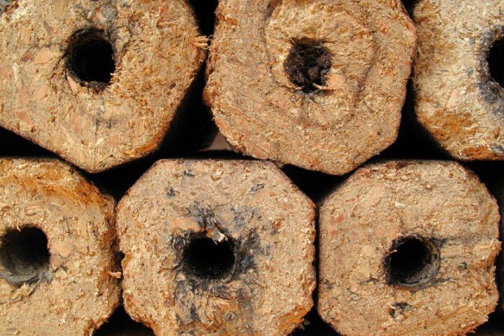 Holzbriketts selber machen