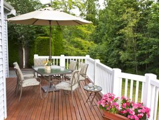 Ganz besonders gemütlich – Terrasse mit Holzdielen