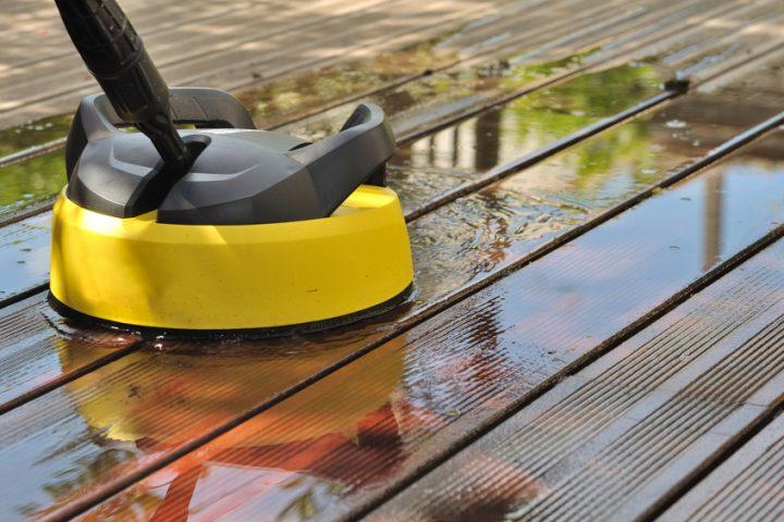 Interessant Holzdielen auf der Terrasse reinigen » So werden sie sauber XS15