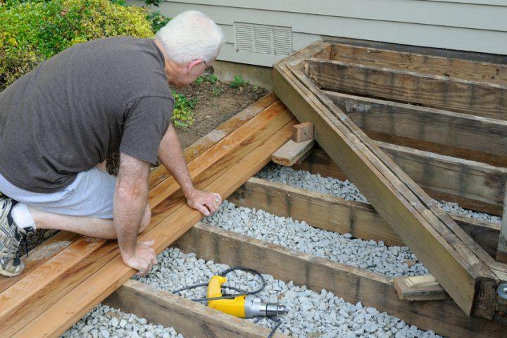 Terrasse Holzdielen: Holzterasse Aus Douglasie Oder Lärche ... Bankirai Terrasse Verlegen Vorteile