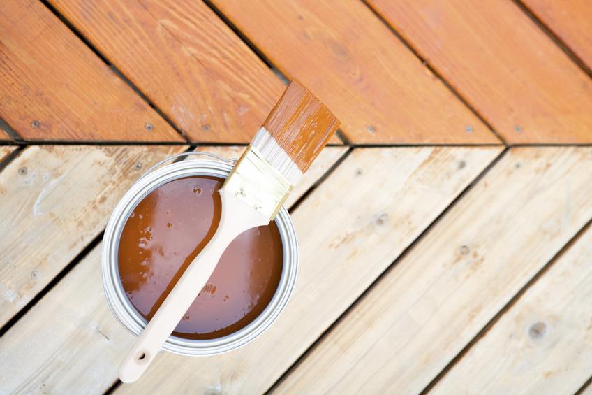 Holzfußboden Pflege ~ Holzdielen pflegen » so halten sie länger