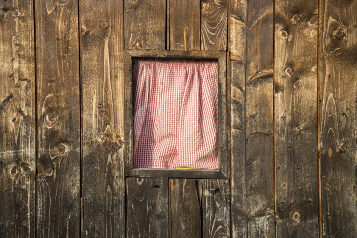 Holzfassade abschleifen