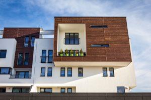 Holzfassade oder verputzte Fassade