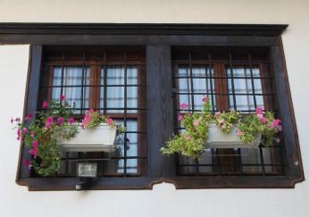 holzfenster einstellen anleitung in 3 schritten. Black Bedroom Furniture Sets. Home Design Ideas